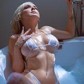 Darshelle Stevens Lace Bath Picture Set