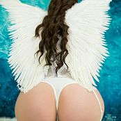Angie Griffin Snow Angel Picture Set