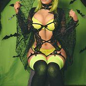 Danielle Beaulieu Halloween 2019 Bat Picture Set