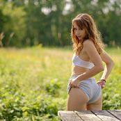 Ariel Rebel Picnic Table Picture Set 001