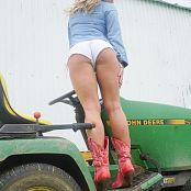 Madden Deere Love Picture Set
