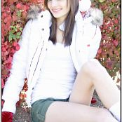 TeenModelingTV Chloe Xmas Picture Set