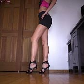 Bratty Bunny New Heels Show Off & Leg Addiction HD Video
