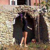 PilGrimGirl Wild Kitty Halloween HD Video