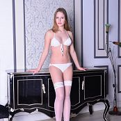 Silver Pearls Hanna Stockings Picture Set 001