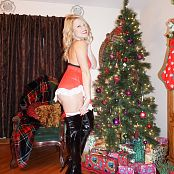 Madden Merry Christmas Picture Set
