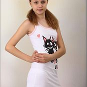 TeenModelingTV Mika Love Cats Picture Set