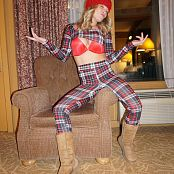 Madden Plaid Picture Set