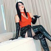 Goddess Kim Boot Pet HD Video