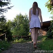 Cinderella Story Juliet Summer Dancing On The Stairs Picture Set 003