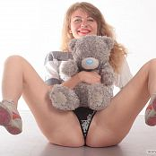 Download Fiona Model Picture Set 233