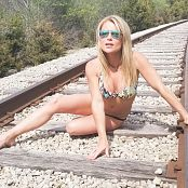 Download Madden Bikini Tracks Picture Set