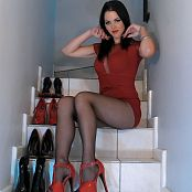 Download Young Goddess Kim Next Level Legs HD Video