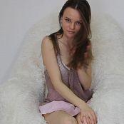 Download Alisa Model Striptease HD Video 018