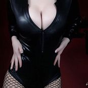 Download Violet Doll Cleavage Worship HD Video