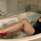 Download Young Goddess Kim Soaking Latex Stilettos HD Video
