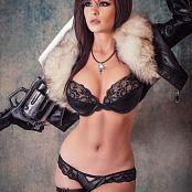 Download Danielle Beaulieu Squall Boudoir Picture Set