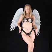 Download Goddess Poison Im No Angel HD Video