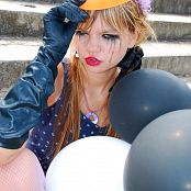 Download Young Gusel Tears of the Clown Picture Set