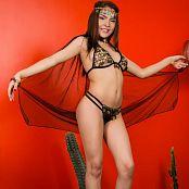 Download Dayana Medina Egyptian Princess TCG Picture Set 003