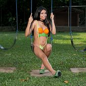 Download Wendy Mazo Green & Orange Body Paint TBS Picture Set 012