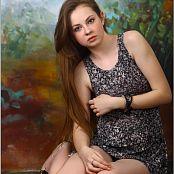 Download TeenModelingTV Bella Grey & Black Mini Picture Set