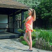 Download Fashion Land Elona Icon Girl HD Video