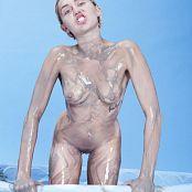 Miley Cyrus Nude 1238