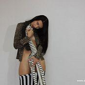 Caroline Model Striptease HD Video 004 230419 avi