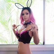 Amy Thunderbolt Hot Pink Bunny Picture Set