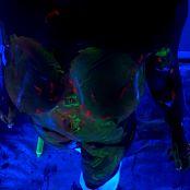 Nikki Sims Black Light Painting Uncut HD Video 050519 mp4
