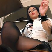 Young Goddess Kim LIFE UNDER YGKS DESK Video 140519 mp4