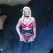 Britney Spears Live 06 Baby One More Time Oops I Did It Again 24 July 2018 New York NY Video 040119 mp4