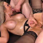Transexual Gangbang 2 Kayleigh Coxx 1080p Video 100719 mp4
