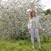 Jeny Smith Amazon 60 den white leggings HD Video 120719 mp4