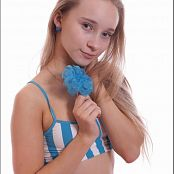 TeenModeling Alice Blue Striped Top Picture Set