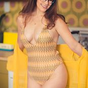 Meg Turney Yellow Picture Set
