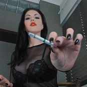 Goddess Kim Under Goddess Kim s Desk Used as an ashtray Video 290819 mp4