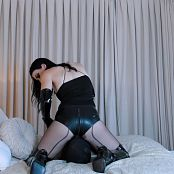 Young Goddess Kim Latex Hotpants Smother IWC Video 080919 mp4