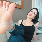 Young Goddess Kim Surrender to My Soles Video 100919 mp4