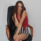 Alisa Model Striptease HD Video 023 141019 avi