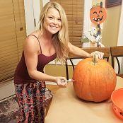 Madden Pumpkin Carving Pics 281019 007