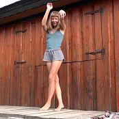 Petal Stone HD Video 404 271019 mp4