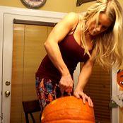 Madden Pumpkin Carving HD Video 301019 mp4