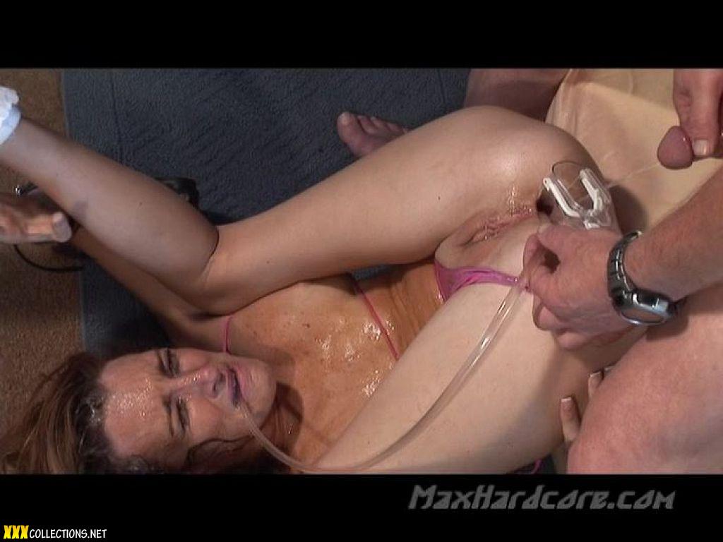 Hardcore piss fuck for stunning brunette antonia