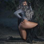 Jessica Nigri Gandalf The Uh Okay 005