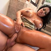 Oil Overload 8 Scene 6 Kiara Mia Manuel Ferrara 1080p HD Video 140719 mp4