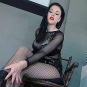 Young Goddess Kim Boot slave under YGKs Desk Video 040120 mp4