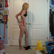 Sexy Young Teen Bedroom Dance Tease Video 120120 mp4