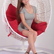 Alisa Model Set 047 002